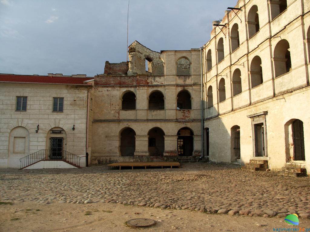 zamek-w-janowcu-7